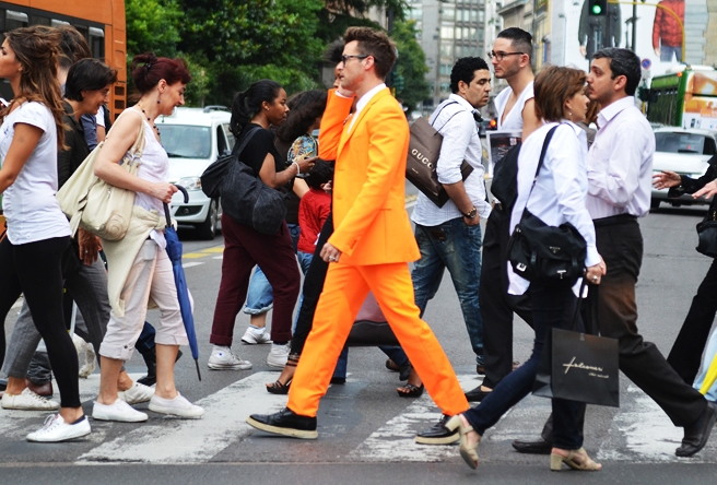 Brad_goreski_orange_suit_prada_wingtip_espadrilles_Street_style_inspiration_milan_florence