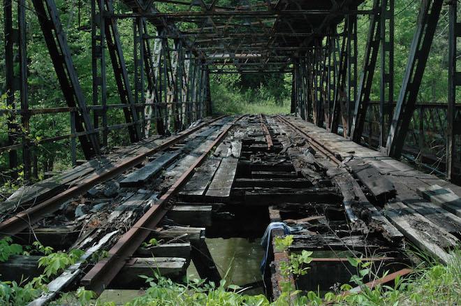 ruins-bridges_00395748