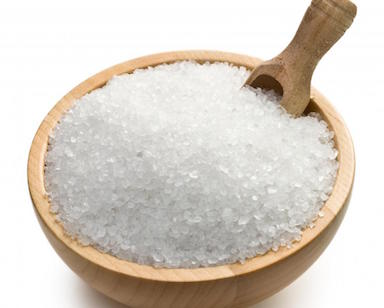 bowl-of-epsom-salt-with-scoop